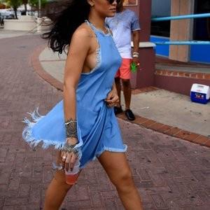 Rihanna Sideboob (34 New Photos) – Leaked Nudes