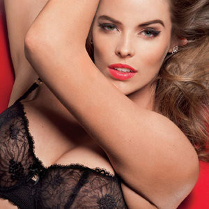 Naked Celebrity Robyn Lawley 003 pic