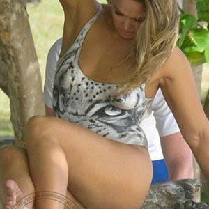 Ronda Rousey Bodypaint (1 New Uncensored Photo) – Leaked Nudes