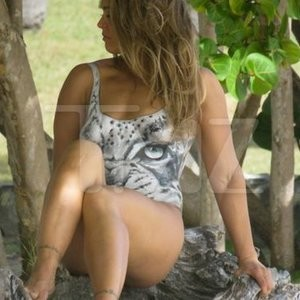 Naked celebrity picture Ronda Rousey 010 pic