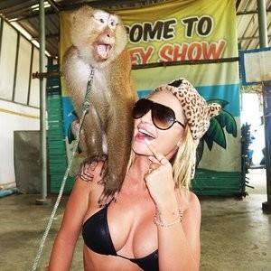 Naked Celebrity Rosanna Arkle 090 pic