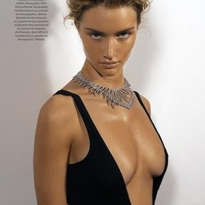 Rosie Huntington-Whiteley Topless (4 Photos) - Leaked Nudes
