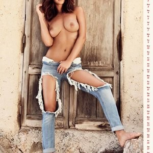 Rosie Jones Sexy & Topless (3 Photo) – Leaked Nudes