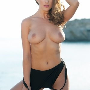 Rosie Jones Topless (3 New Photos) – Leaked Nudes