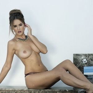 Rosie Jones Topless (3 Photos) – Leaked Nudes