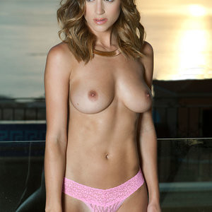 Rosie Jones Topless – Page 3 (4 Photos) – Leaked Nudes