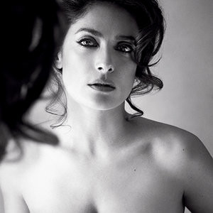 Salma Hayek Topless (1 Photo) - Leaked Nudes