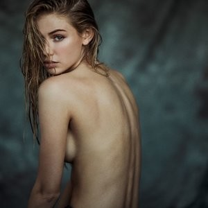 Scarlett Leithold Topless (4 Photos) – Leaked Nudes