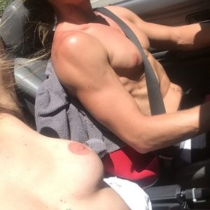 Scout LaRue Willis Topless (1 Photo) – Leaked Nudes