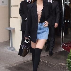 celeb nude Selena Gomez 044 pic