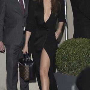 Naked Celebrity Selena Gomez 058 pic