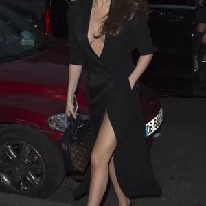 Naked Celebrity Pic Selena Gomez 077 pic