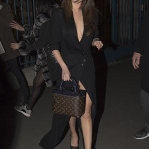 Naked Celebrity Pic Selena Gomez 092 pic