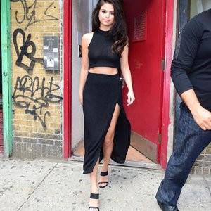 Celeb Naked Selena Gomez 024 pic