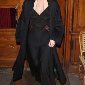 Naked celebrity picture Selena Gomez 007 pic