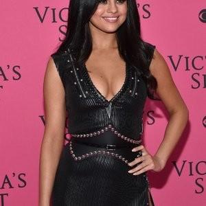 Celeb Naked Selena Gomez 029 pic