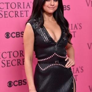 Hot Naked Celeb Selena Gomez 032 pic