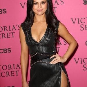 Celebrity Naked Selena Gomez 040 pic
