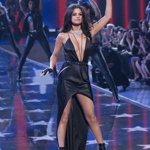 Real Celebrity Nude Selena Gomez 050 pic