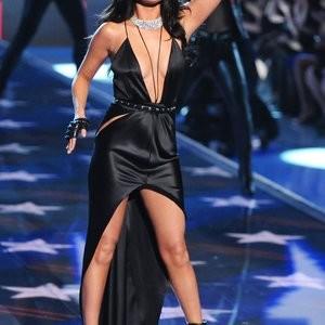 Naked Celebrity Pic Selena Gomez 064 pic