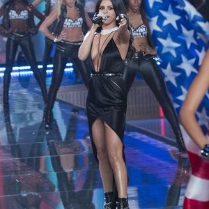 Celeb Nude Selena Gomez 082 pic