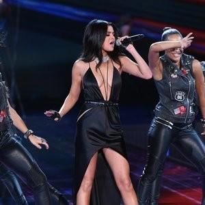 celeb nude Selena Gomez 096 pic