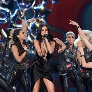 Free Nude Celeb Selena Gomez 102 pic