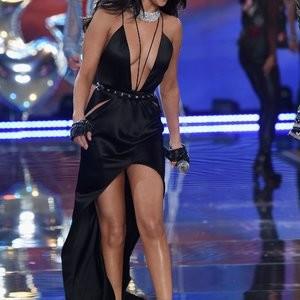 nude celebrities Selena Gomez 112 pic