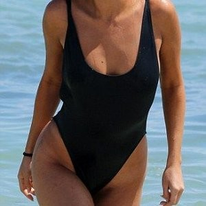Newest Celebrity Nude Selena Gomez 004 pic