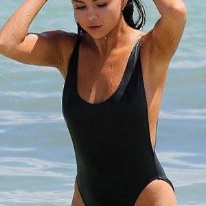 Newest Celebrity Nude Selena Gomez 010 pic