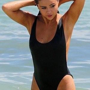 Naked celebrity picture Selena Gomez 014 pic