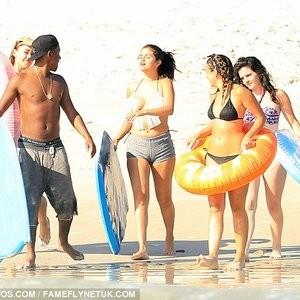 Naked Celebrity Pic Selena Gomez 013 pic