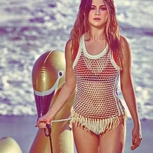 Hot Naked Celeb Selena Gomez 002 pic