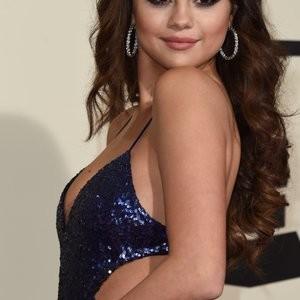 Hot Naked Celeb Selena Gomez, Taylor Swift 005 pic