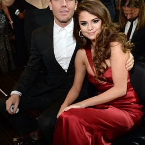 nude celebrities Selena Gomez, Taylor Swift 049 pic