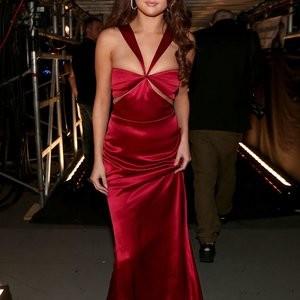 Naked Celebrity Selena Gomez, Taylor Swift 139 pic