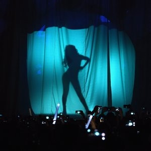 Selena Gomez Topless & Sexy (22 Photos + Video) – Leaked Nudes