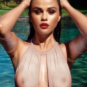 Selena Gomez Topless X-Ray (1 Photo) - Leaked Nudes