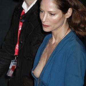 Sienna Guillory Nipple Slip (1 Photo) - Leaked Nudes