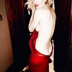 Sienna Miller Sideboob (1 Photo) - Leaked Nudes