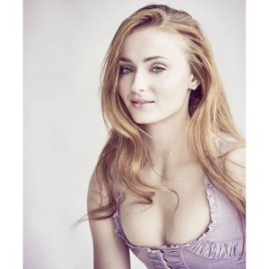 Sophie Turner Cleavage (1 Photo) – Leaked Nudes