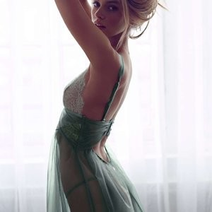 Stella Maxwell in Lingerie (26 Photos) - Leaked Nudes