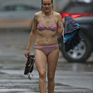 Taylor Schilling in a Bikini (17 Photos) – Leaked Nudes
