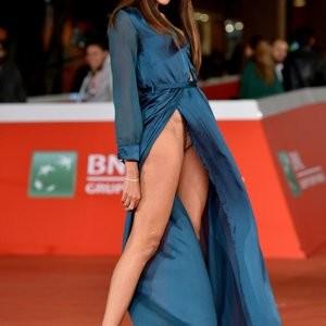 Free Nude Celeb Zaina Dridi 003 pic